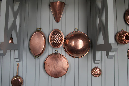 Copper has long been used for pots and pans because it's an excellent conductor and retainer of heat.  But, because it's quite costly, some pots are made with only copper bottoms, making them more affordable.