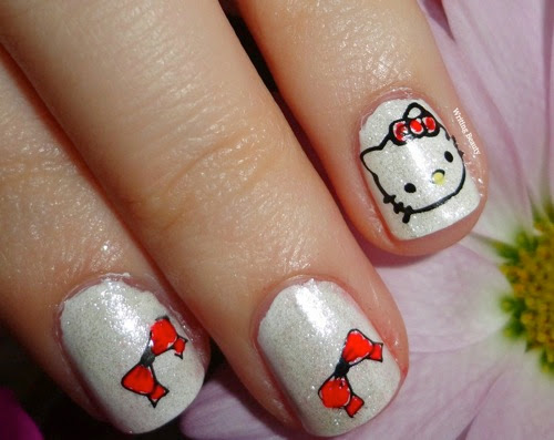 Hello Kitty Nail Art 4