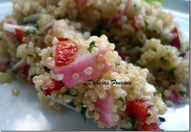 Salada de Quinoa e kani - Delícias Frugais