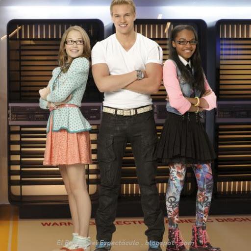Como crear el chico ideal: Personajes, sinopsis: Estreno 09.11.14 Disney Channel