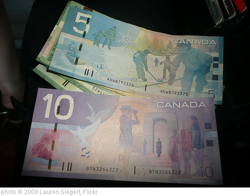 'Canadian money' photo (c) 2009, Lauren Siegert - license: http://creativecommons.org/licenses/by/2.0/