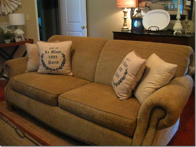 sofa & chest 003