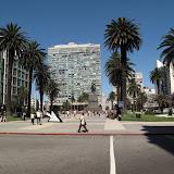 Plaza Independencia, entre la vieille ville (au fond) et le centre plus commercial