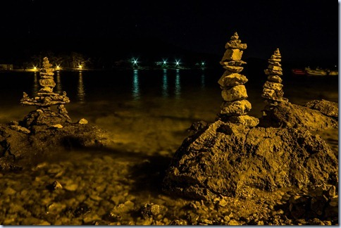 kamniti stolpi