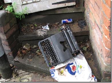 20120508 Old typewriter Noonan's Steps (4)