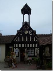 2012.08.16-019 village Guillaume-le-Conquérant