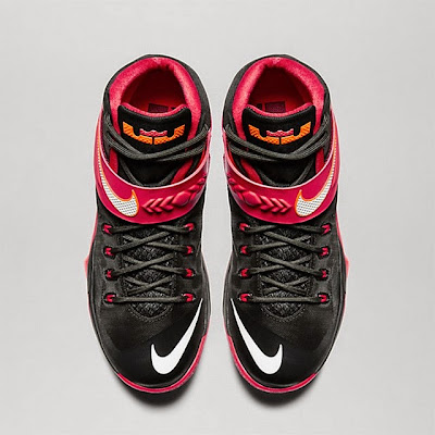 nike zoom soldier 8 gr black red 1 04 Available Now: Nike Zoom Soldier VIII (8) Black and Red