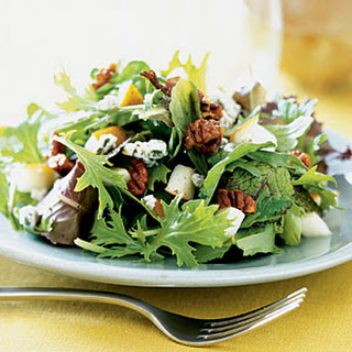 Mixed Greens with Pears and Spicy Pecans