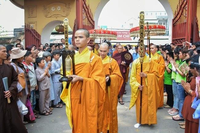 tam-tang-phap-su-thuyet-phap-chua-Hoang-Phap (2)