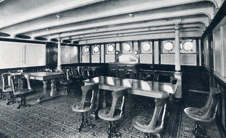 Comedor de primera clase del buque. De la MEMORIA DE LA COMPAÑÍA TRASMEDITERRANEA. Año 1.928.jpg