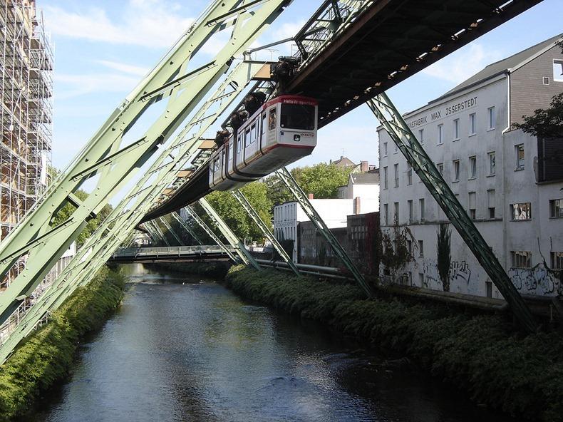 Wuppertaler-Schwebebahn-9