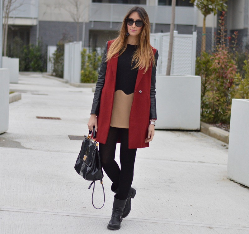 Sheinside, Sheinside coat, red coat, cappotto rosso, come abbinare un cappotto rosso, dress, come abbinare un vestito corto, strategia, strategia boots, strategia shoes, scarpe strategia, miss sicily, miss sicily bag, dolce & gabbana bag, dolce & gabbana miss sicily bag, H&M jewels, H&M earrings, H&M accessoires, Calzedonia, fashion blogger, italian fashion blogger, fashion blogger firenze, fashion blogger italiane