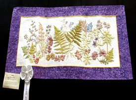 1404067 Apr 11 Leaf Pressing Wall Hanging