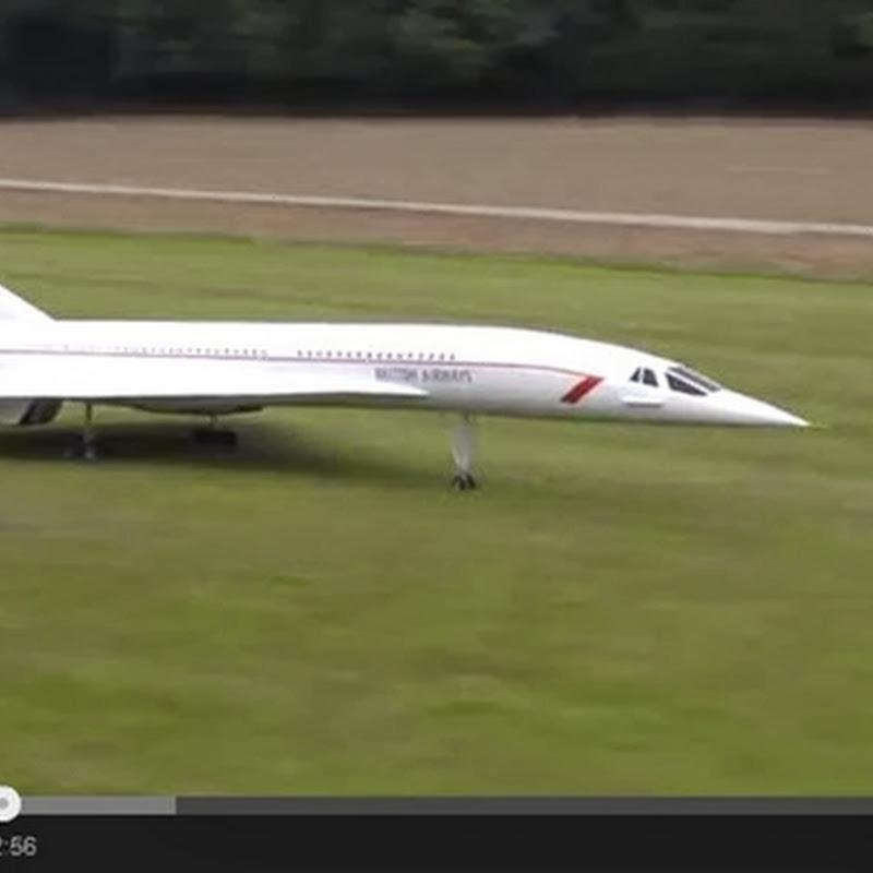Τεράστιο  RC αεροπλάνο