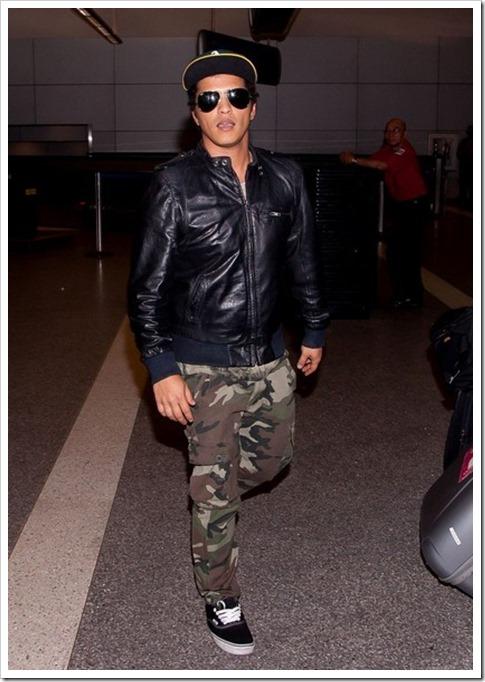 Bruno Mars Outerwear Bomber Jacket GI8Zm2wkC7yl