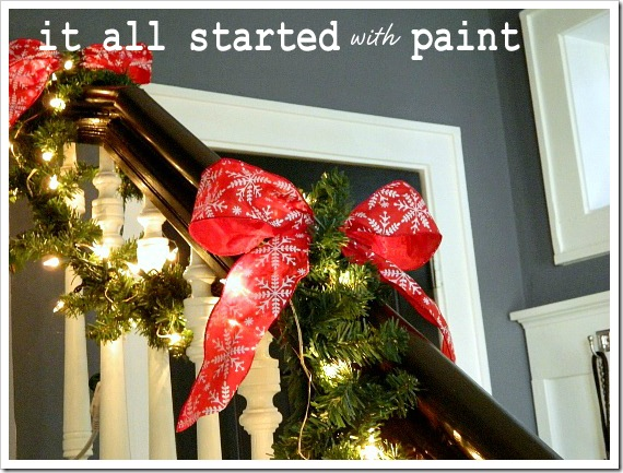 Xmas entry bannister closeup (550x413)