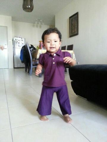 Seronok melihat Baby Auni berjalan