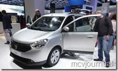 Dacia stand Parijs 2012 20