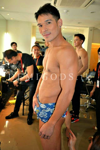 Bench The Naked Truth backstage Pancho Magno