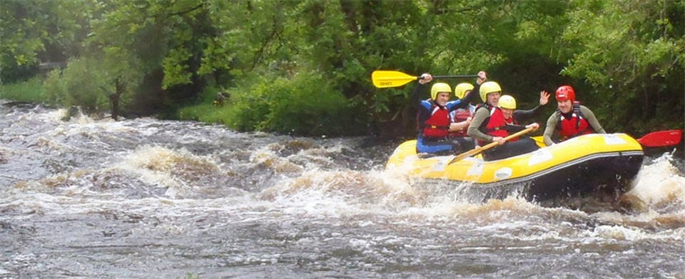 White water rafting and kayaking - 20 mins