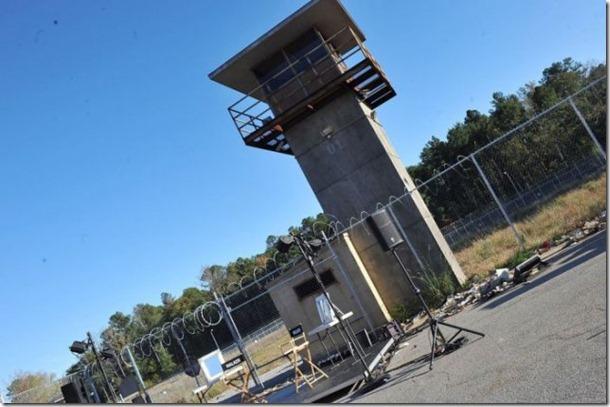 walking-dead-prison-set-25