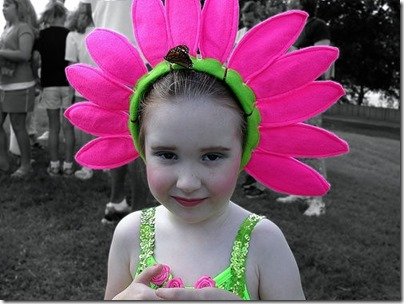 Hacer disfraz flor para niña - Imagui