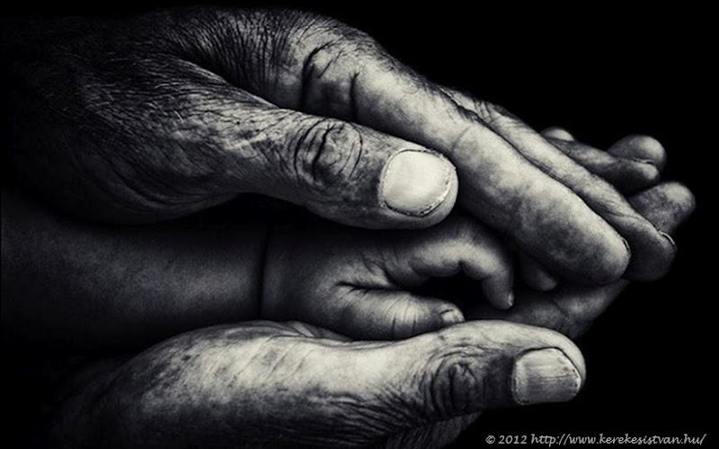 Kerekes Hands