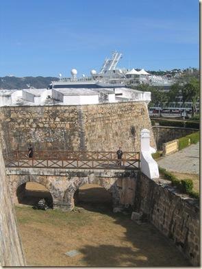 Acapulco 3 Fuerto San Diego 10 Cruise Ship