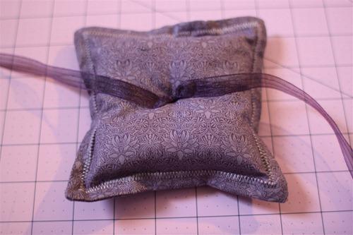 DIY Ring Pillow1