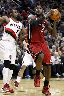 lebron james nba 130110 mia at por 06 King James Debuts LBJ X Portland PE But Ends Scoring Streak