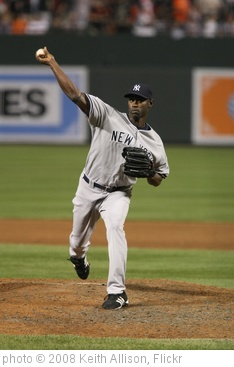 'LaTroy Hawkins' photo (c) 2008, Keith Allison - license: http://creativecommons.org/licenses/by-sa/2.0/