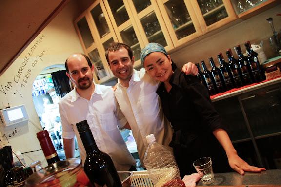 Akane y los chicos de la cocina.jpg