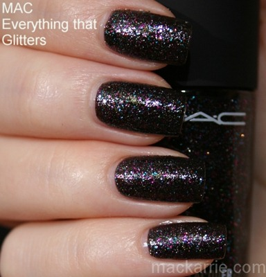 c_EverythingThatGlittersNailLacquerMAC2