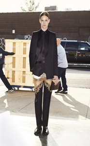 givenchy_005_1366.450x675