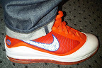 nike air max lebron 7 pe hardwood orange 2 01 Yet Another Hardwood Classic / New York Knicks Nike LeBron VII