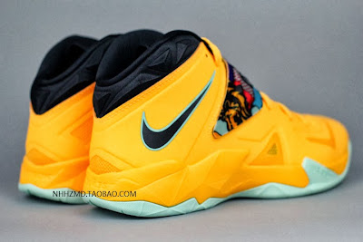 nike zoom soldier 7 gr yellow pop art 4 13 Nike Soldier VII Coconut Groove aka Pop Art available at Eastbay