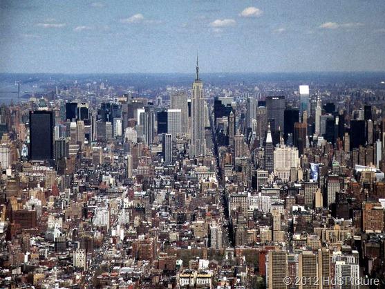 pemandangan kota New York dari udara. New York adalah bagian dari negara Amerika Serikat yang merupakan salah satu negara maju di dunia