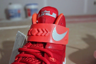 nike zoom soldier 8 ss red white 1 04 Detailed Look at Nike Zoom LeBron Soldier 8 Sample