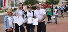 Parque Carlos Raya, colhendo assinaturas para reduzir o número de vereadores.