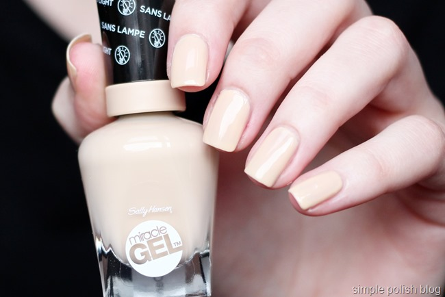Sally-Hansen-Miracle-Gel-Bare-Dare-3