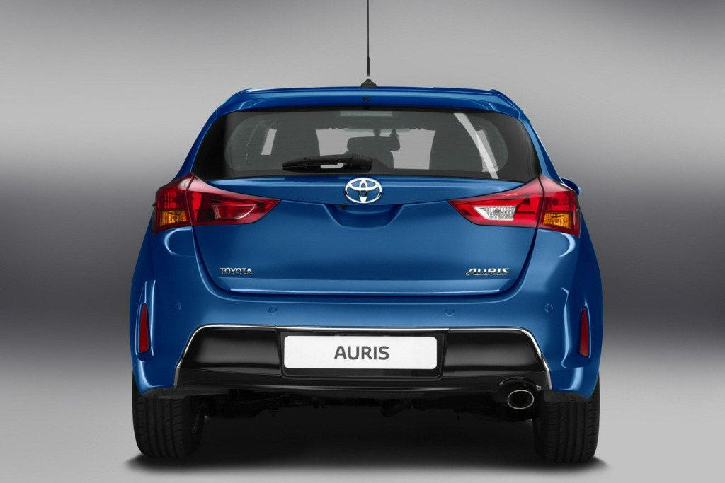 Yeni Toyota Auris 2013 Resimleri Özellikleri ve Fiyat Listesi ...