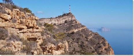 Antenas de la cima de Sierra Helada  y Peñon de Ifach