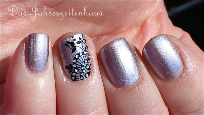 Sally Hansen Pedal to the Metal mit Nail Art 6