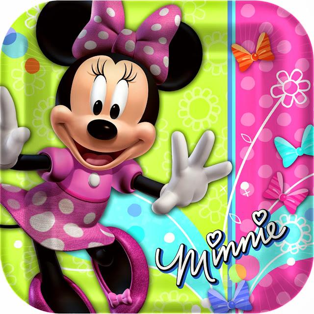 Bébé Radieuse adore Mickey et Minnie Mouse!