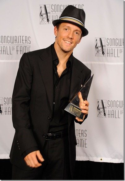 Jason Mraz - 2009 - 40th Annual Songwriters Hall of Fame Ceremony - Cocktails and Backstage