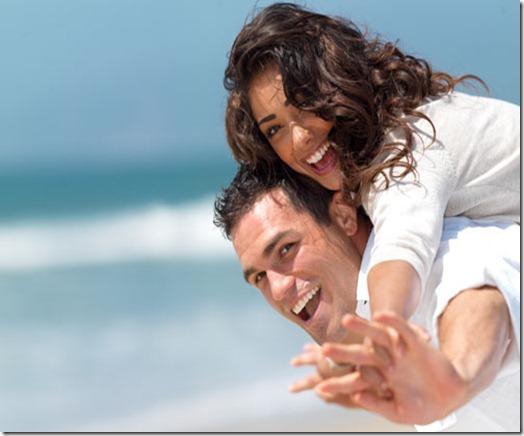 354222-casal-feliz