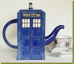 tardis_tea_pot_1