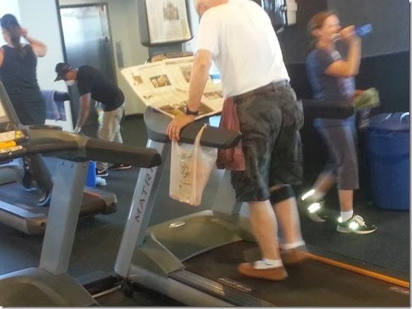 people-multitasking-063