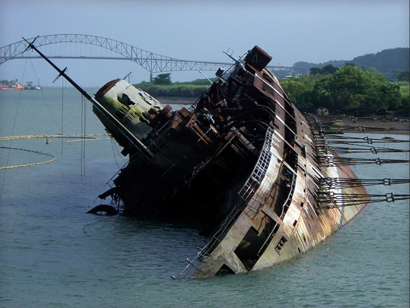 Wreck Removal in the Panama Canal