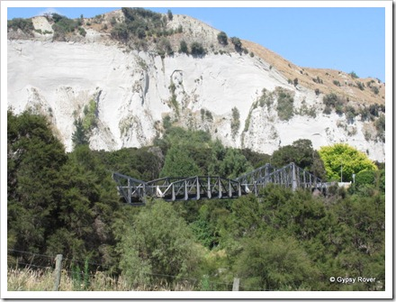 Bridge over the Mangawharariki river